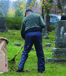 24953comox09cemeterycleanup2